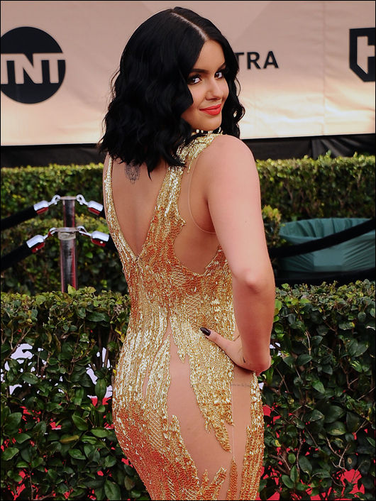 ariel winter goes commando at the sag awards
