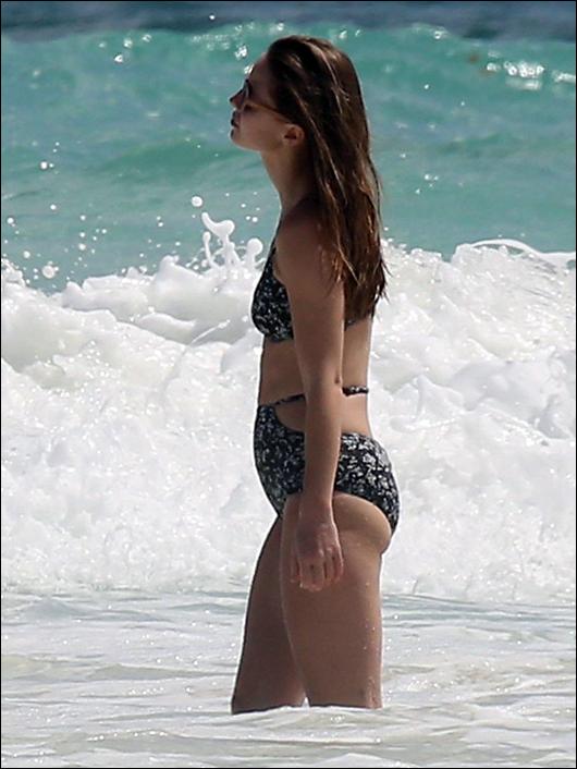 melissa benoist bikini