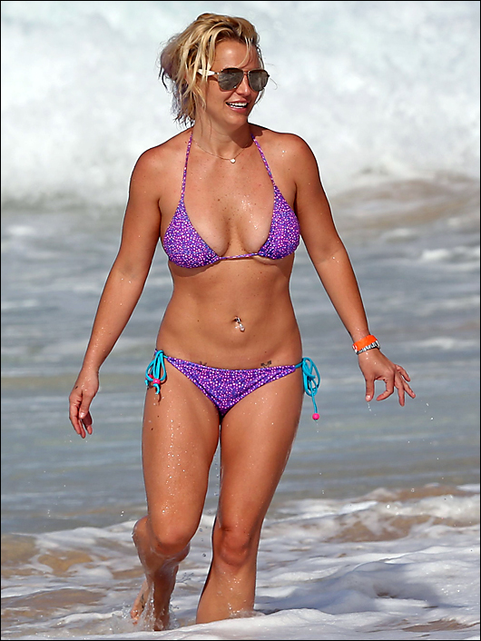 britney spears bikini in hawaii