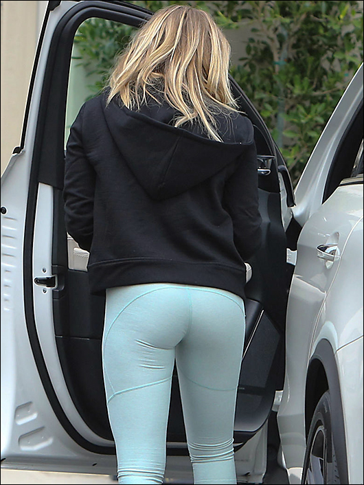 chloe grace moretz ass in spandex