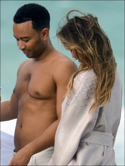 john legend moobs