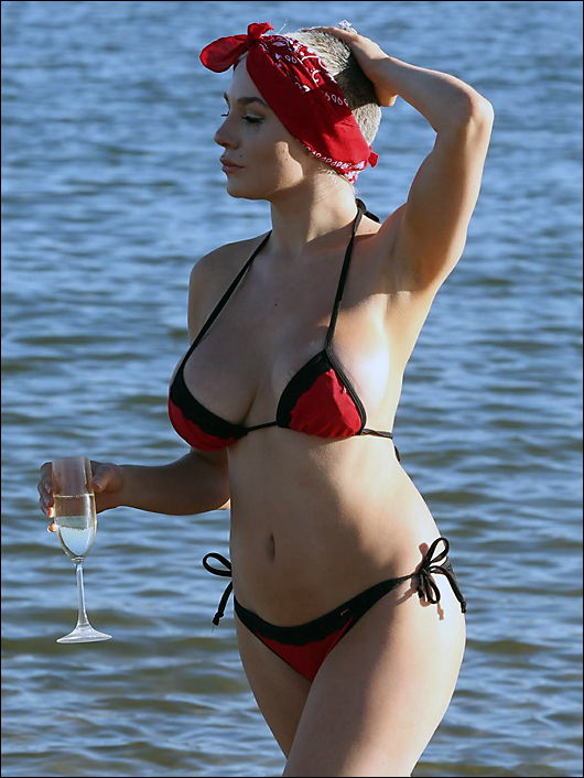 courtney stodden beach bikini