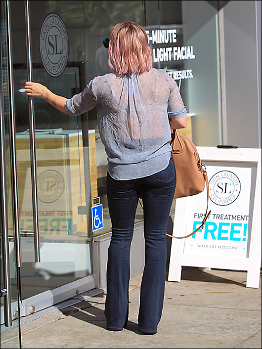 Hilary duff not braless