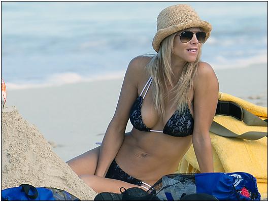 elin nordegren beach bikini