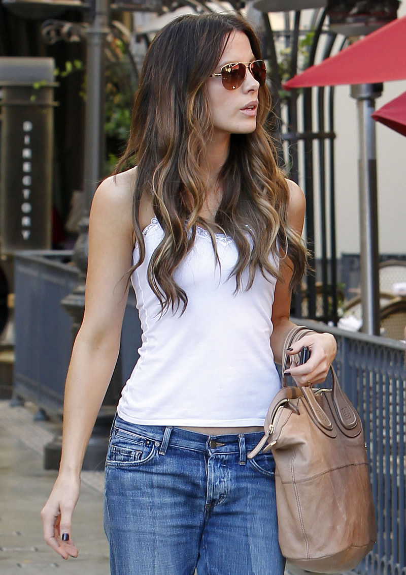 kate beckinsale casual hotness