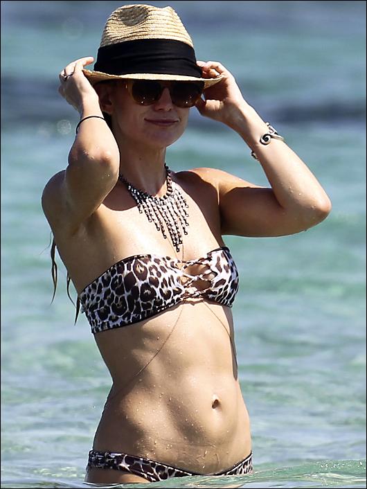 kate hudson bikini 2014