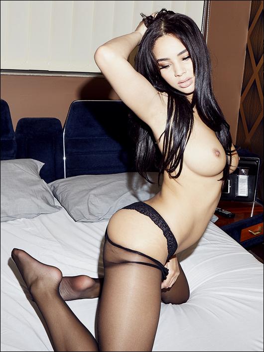 courtnie_quinlan topless