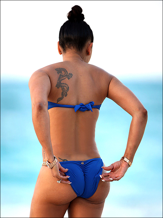 melanie brown bikini ass