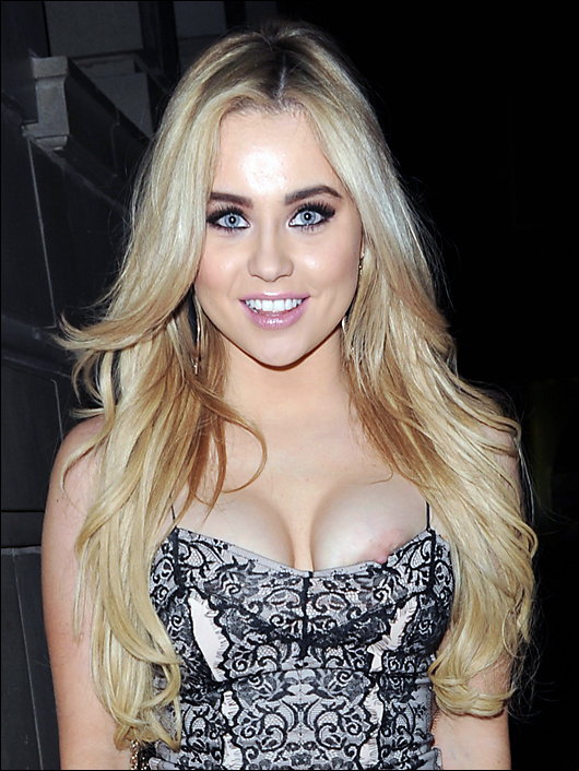 melissa reeves flashing nipple