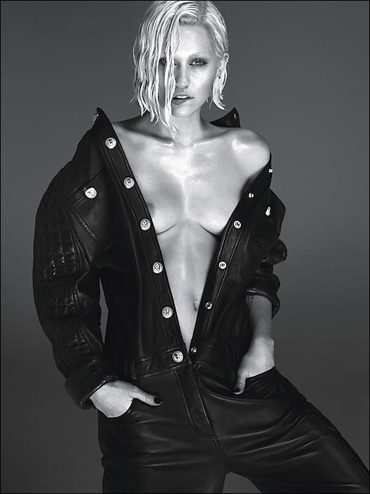 miley cyrus nipple in w magazine