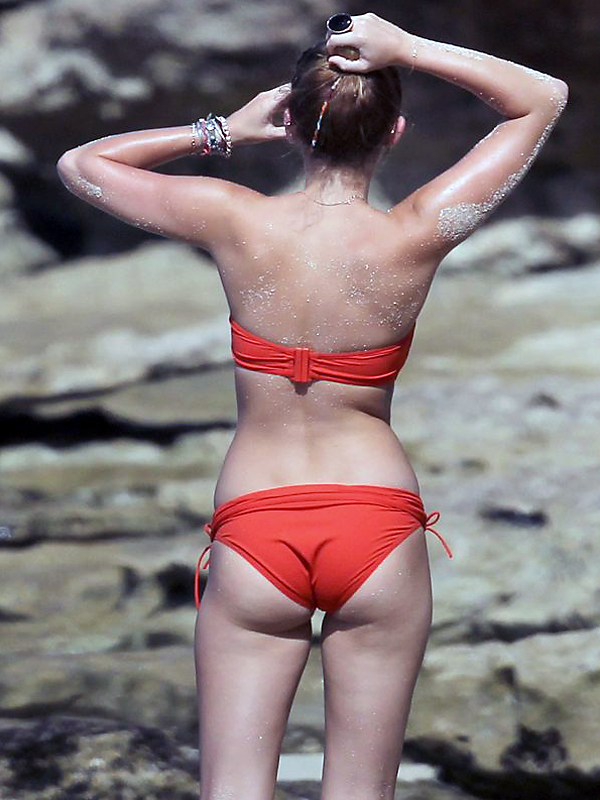 miley cyrus red bikini