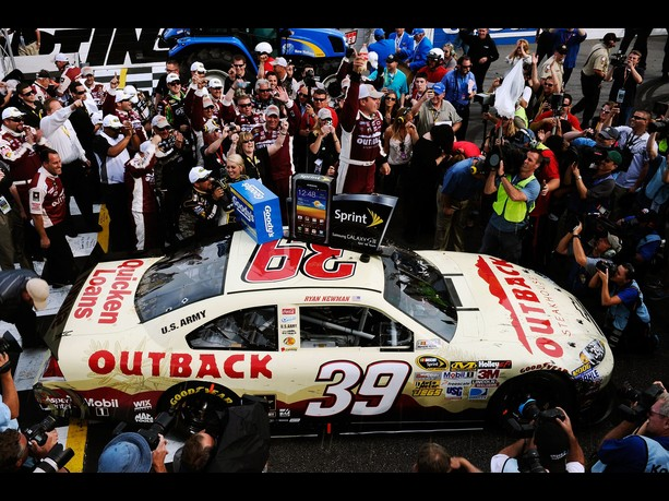 ryan newman wins martinsville