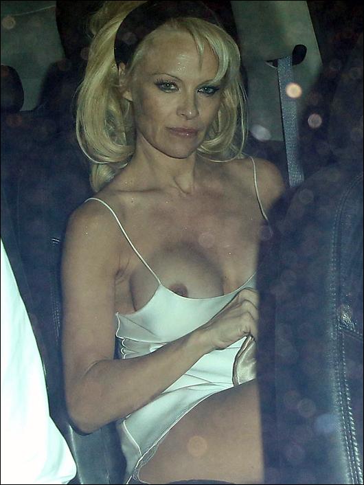 pam Anderson nipple slip