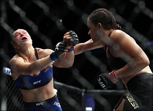 ronda rousey gets her ass kicked again