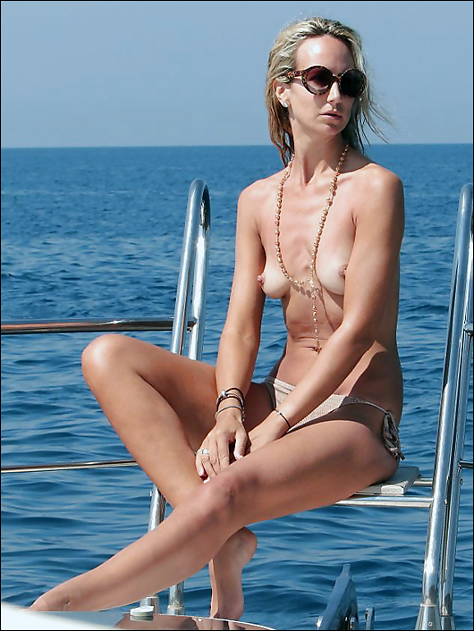 lady victoria hervey topless