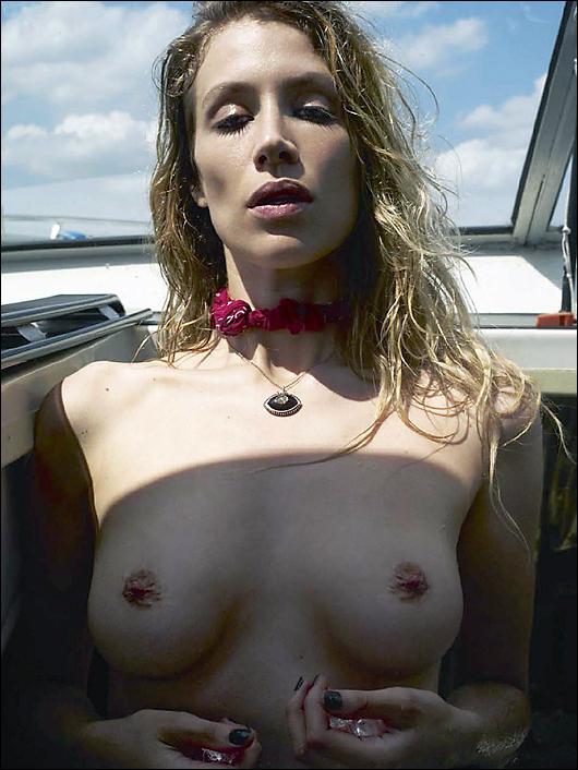 marie de villepin topless