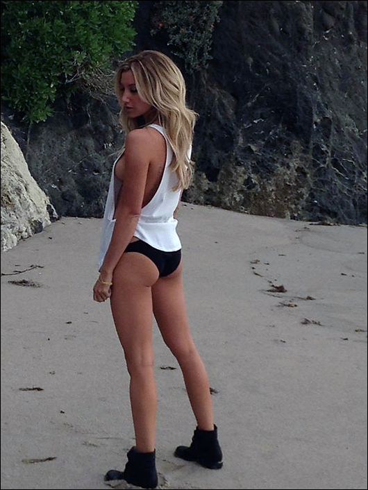 ashley tisdale sexy on twitter
